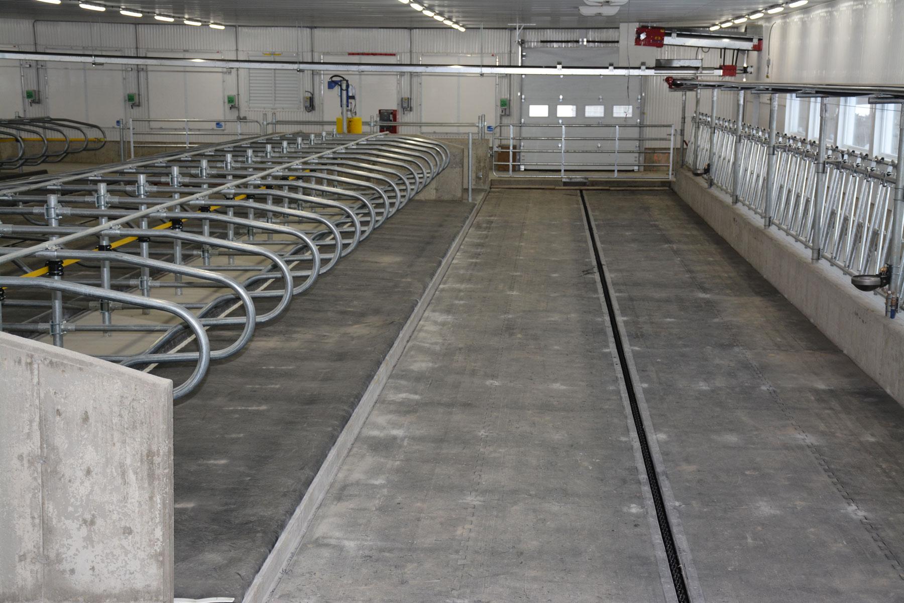 stabulation libre logette et barrière / Équipements PFB