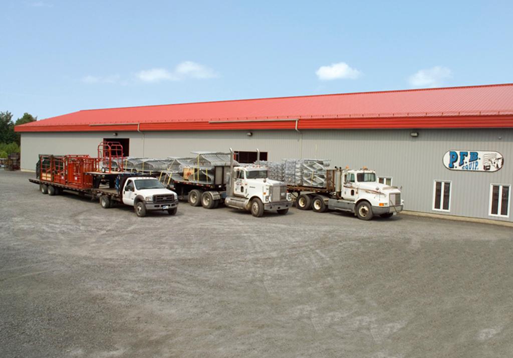 usine Équipements PFB et camion de livraison